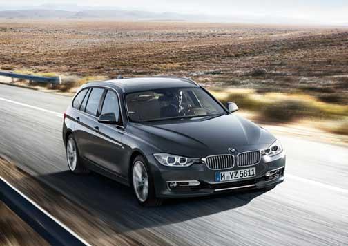 BMW en carretera.