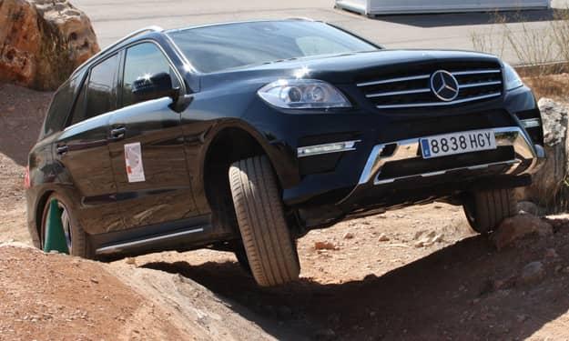 Mercedes-Benz-Curso-conduccion