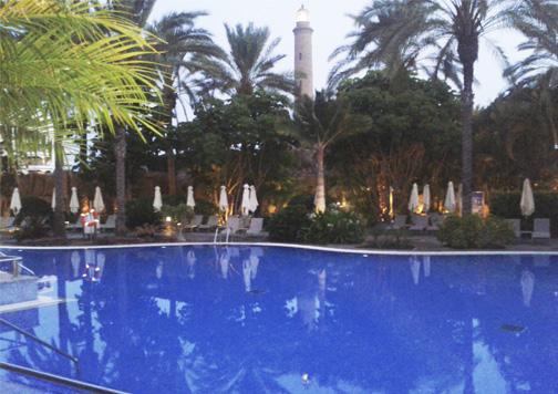 Faro de Maspalomas desde un hotel. Foto: Rafa Castro.