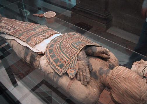 Una momia egipcia ¿Habría pagado su cuota del seguro? Foto: Zubro (Creative Commons)