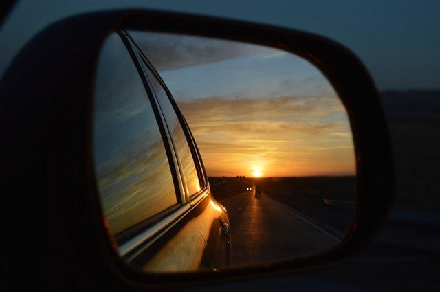 Amanecer espejo retrovisor
