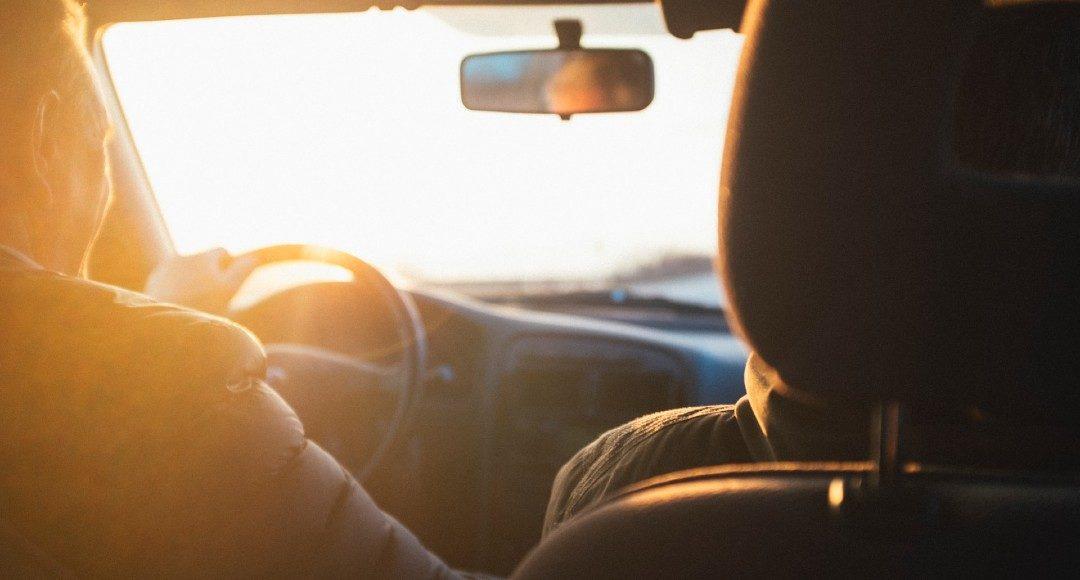 Cómo evitar los golpes de calor dentro del coche