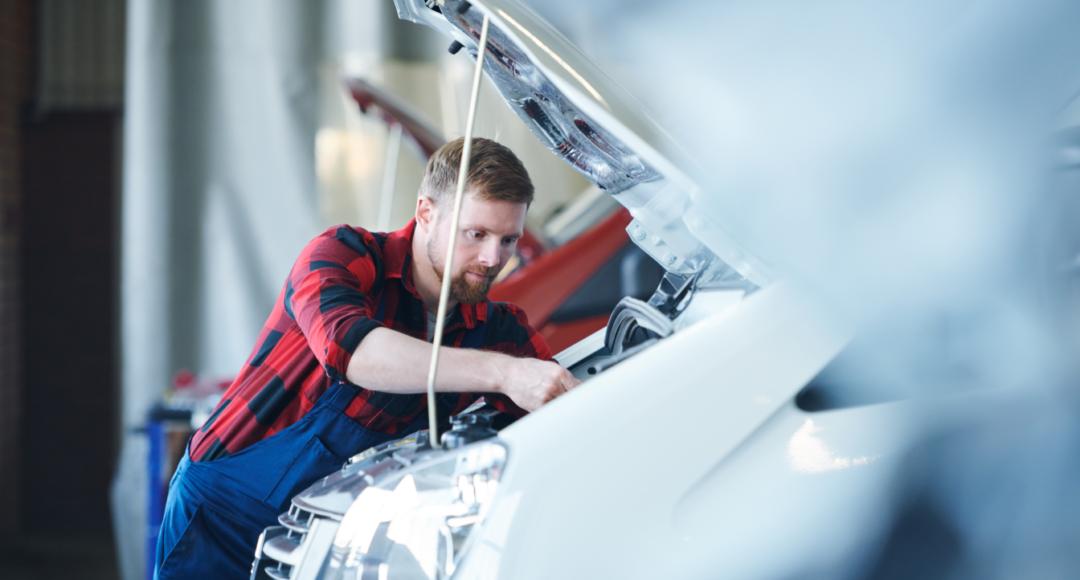 Te contamos algunos consejos para arrancar el coche tras un tiempo parado por los cambios en el cierre perimetral y, entre ellos, descubre las ventajas del seguro a terceros ampliado.